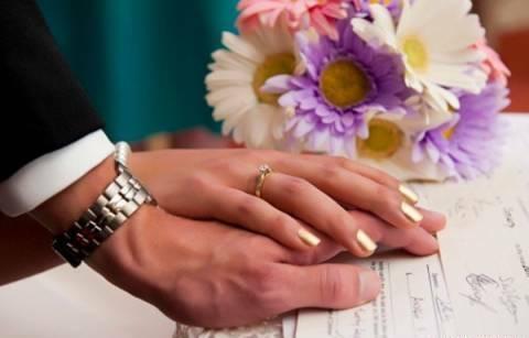 Kết hôn với người nước ngoài - Mơ ước của nhiều cô gái
