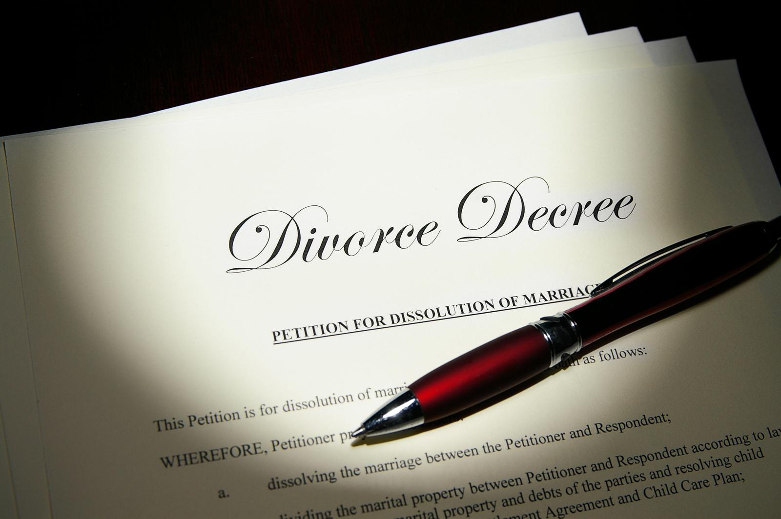 Phải làm gì khi bị mất giấy đăng ký kết hôn?