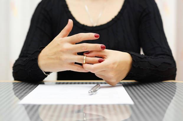 Giải quyết sai lầm tự thỏa thuận trong quá trình ly hôn