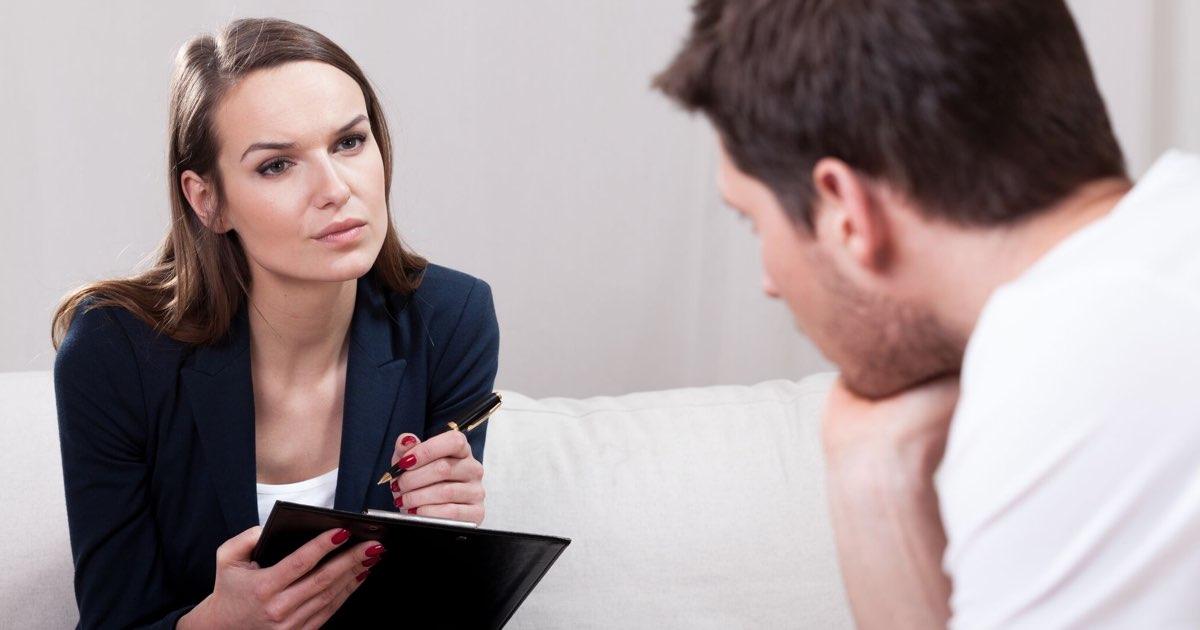 Giải quyết ly hôn đơn phương khi một bên vắng mặt
