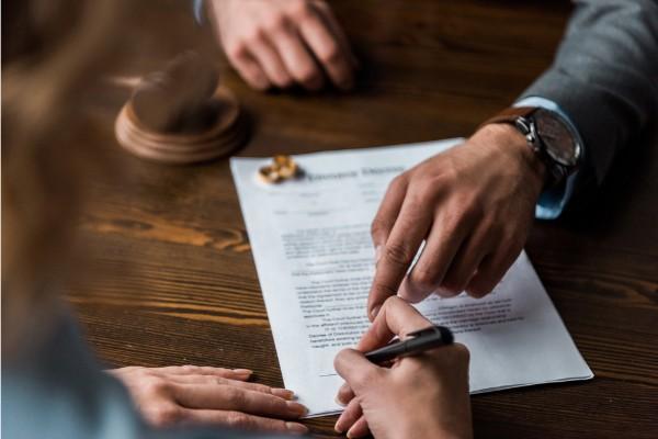 Chuẩn bị đơn ly hôn như thế nào?